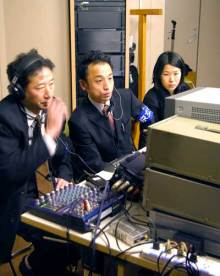 港区赤坂にあるビデオ制作会社のブログ-指令ブースの3人