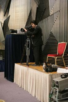 港区赤坂にあるビデオ制作会社のブログ-イントレに乗って撮影