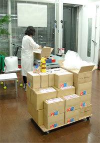 港区赤坂にあるビデオ制作会社のブログ-プレス済みDVD梱包中
