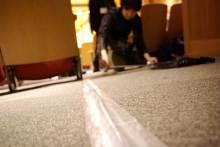 港区赤坂にあるビデオ制作会社のブログ-ケーブルはしっかり養生テープで固定